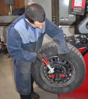 Garage marcotte et fils vente de pneus neufs et pneu for Garage reignier alpes pneus